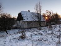 Chaloupka v obci Lounice, která jistě pamatuje ještě tradiční Vánoce v Krušných horách. Pro vás ji zachytil Jan Setvák v zimě L. P. 2009