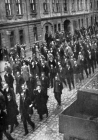 Pohřeb obětí v Mostě