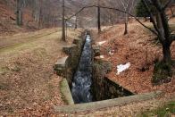 Regulační koryto pod přehradou