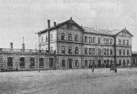 Budova hlavního mosteckého nádraží kolem roku 1913