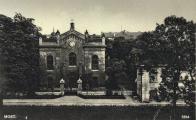 Synagoga v Mostu, kolem roku 1927. Copyright k dokumentu drží Okresní archiv v Mostu, kde je uložen jeho originál