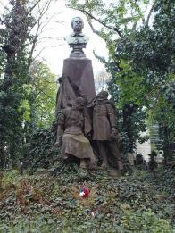 Pomník Josefa Baráka na Olšanských hřbitovech