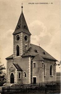 """Kaple Nanebevstoupení Panny Marie jejíž vznik v roce 1898 inicioval spolek """"Spolek pro zřízení kaple Nanebevstoupení Panny Marie"""". Vysvěcena byla v roce 1916 a její existenci ukončil odstřel v roce 1964"""