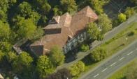 Budova původní Janovské školy č.p. 122, je spousty let prázdná , majitel je město Litvínov