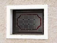 Kaplička na Křižatkách - vitráže
