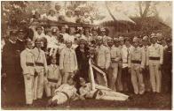 10.04.1925: křest stříkačky kmotrou Julií Seidlovou, která stojí uprostřed