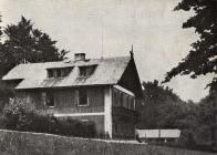 """Lovecký zámeček Lniště-foto z knížky """"Pět mladých let"""" z roku 1954 50°34'58.262""""N, 13°30'18.157""""E"""