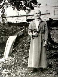 Německá majitelka mlýna na dobové fotografii.