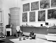 Po maturitě si ještě doplnil základní pedagogické vzdělání a začal vyučovat výtvarnou výchovu na 3. ZDŠ ve Fučíkových sadech v Mostě, kde měl také svůj malířský ateliér