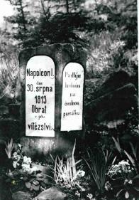 Dubí, Kutný Vrch - foto Rudolf Jekal 13.5.1967, v této době byl nápis na pomníku  ještě velmi dobře čitelný
