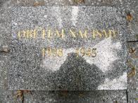 Pomník obětem nacismu - nápis