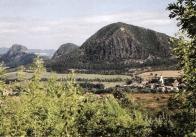Typicky středo-horský reliéf  jihovýchodní části Mostecka