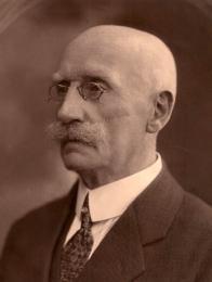 Mostecký starosta JUDr. Josef  Herold byl zastáncem myšlenky vytvoření tzv. provincie Deutschböhmen, v jejíž zemské radě také zasedal. Po obsazení Mostu československým vojskem byl zatčen a zbaven své funkce.
