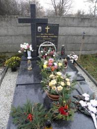 O.Viduška je pochován na litvínovském hřbitově