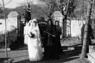 Lomský hřbitov-vdovy a nevěsty