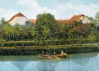 K příjemnému odpočinku na Resslu patřila počátkem 20. století též jízda na loďkách v blízkosti zdejší restaurace