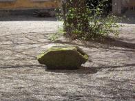 Kámen po vyložení na nádvoří litvínovského zámku